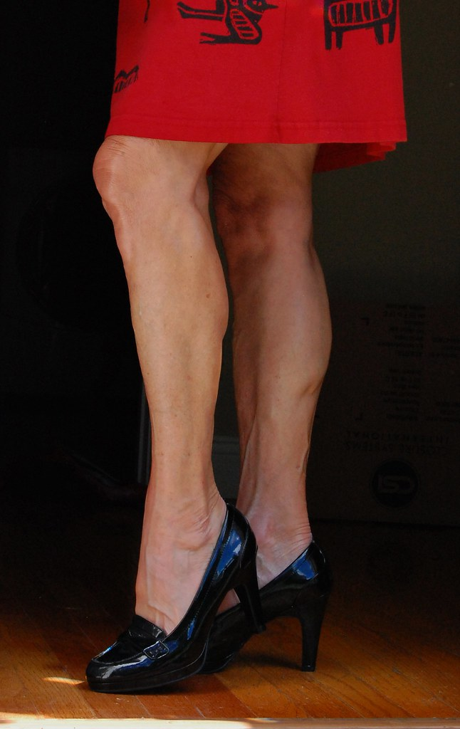 Gilf milf with muscular legs calves