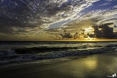 Punta Umbría. (MaRTuS_K) Tags: sunset beach canon landscape atardecer huelva playa paisaje punta umbria 550d