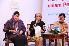 Dewi Motik, Yulfita Raharjo, Valentina Ginting