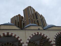 P1120600 - Buildings (JB Fotofan) Tags: turkey lumix türkiye istanbul mosque panasonic türkei moschee atasehir fz150 çami mimarsinançami