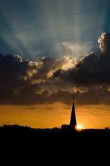 Sunset (Una Cereza Perdida) Tags: light sunset shadow sun sunlight sol clouds atardecer lights evening luces europa europe shadows sundown belgium belgique sunny nubes silueta liege belgica nube rayosdesol soleado silhoute belgi núbols asolejat