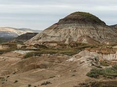 The Hoodoo Trail (annkelliott) Tags: canada nature rock landscape lumix interestingness scenery erosion explore alberta pointandshoot badlands geology rockformations annkelliott anneelliott neardrumheller landofthedinosaurs fz200 panasonicdmcfz200 eofcalgary thehoodootrail explore2014october07 officialprotectedsite