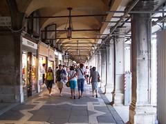 It aug 10 (1067) (NB 2009) Tags: italia venise venezia venedig piazzasanmarco procuratievecchie vecchie procuratie veneia itaug10