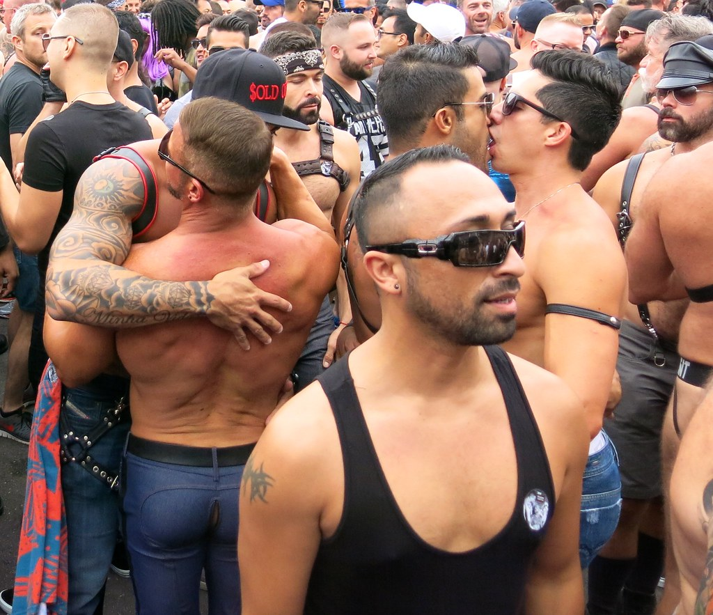 Gay pee orgy