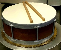Snare (Sticky Fingers Bakery Specialty Cakes) Tags: birthday cake vegan drum chocolate vanilla frosting fondant buttercream