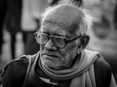 || Moony || (Souvik@3rd_Eye) Tags: street portrait people blackandwhite monochrome beard documentary depthoffield kolkata spectacle nikond5300