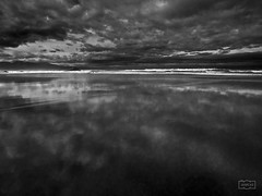 No hay límites claros/ No clear limits (Jose Antonio. 62) Tags: clouds nubes reflection reflejo beautiful bw blancoynegro blackandwhite beach playa waves olas nature naturaleza spain españa asturias