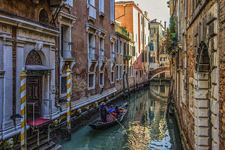 Venezia , di canale in canale ... ( serie )