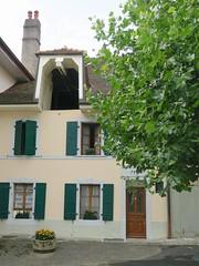 practical attic (Riex) Tags: attic grenier galetas access accès facade maison house home habitation batiment lutry lavaux vaud suisse switzerland g9x