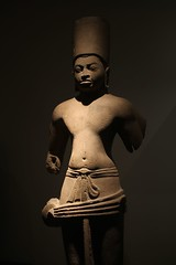 Visnu (Thomas Schirmann) Tags: muséeguimet artasiatique guimetmuseum paris musée museum visnu vishnu vishnou thaïlande grès sandstone sculpture
