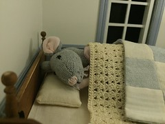 Sweet dreams, Peonia (Foxy Belle) Tags: mouse dollhouse handmade doll 112 bed bedroom bedding sew quilt blue cream white