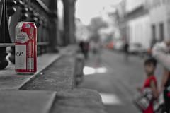 Miradas en rojo (harpman71) Tags: nikon d5200 35mm darktable street urban cerveza niño boy santelmo buenosaires argentina bokeh beer