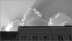 a nice day (Crowfly Wien) Tags: vienna wien house haven austria sterreich nikon day himmel wolke haus coolpix sonnenstrahl l830