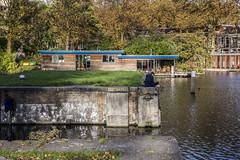 Herfst in Utrecht (Jeppe Schilder Photography) Tags: autumn holland water netherlands schilder canon photography reading europe utrecht fotografie herfst nederland zon jeppe merwedekanaal lezen woonboot sluizen keulsekade jeppeschilder wwwjeppeschildercom