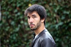 Gianluca (Ondeia) Tags: man love face beard eyes occhi sguardo uomo gian amore viso pelle barba bello gianluca volto stupore bellissimo giubbotto