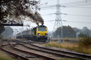 70010 restarting at Sudforth Lane after picking up a crew member with the 6M03 Eggborough to Tunstead, 10th Nov 2014.