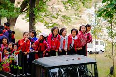 courious young pioneers (jonas_k) Tags: travel northkorea pyongyang dprk pjöngjang