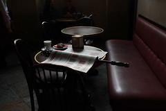 Caff (Carla Massimetti (gi: carmasit!)) Tags: milano caff rito giornale eundivanettorossodipelle