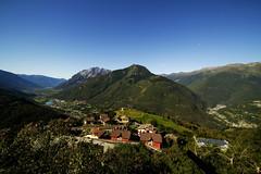 La Valcamonica vista da Cevo (il goldcat) Tags: italy panorama landscape alp alpi brescia lombardia valcamonica cevo vallecamonica goldcat