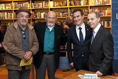 """Integrantes do Espaço Democrático lançam livro sobre manifestações de 2013 • <a style=""""font-size:0.8em;"""" href=""""http://www.flickr.com/photos/60774784@N04/15416045299/"""" target=""""_blank"""">View on Flickr</a>"""