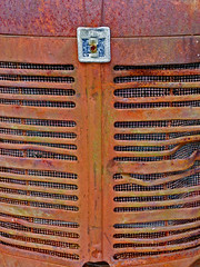 International Harvester (Whatknot) Tags: mississippi grill international rusted harvester tupelo 2014 whatknot