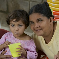 Myrna & nieta (Pejasar) Tags: girl breakfast children outdoors grandmother honduras class myrna nieta seisdemayo