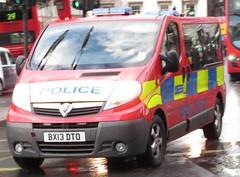 Metropolitan police-Diplomatic protection group-Vauxhall vivaro-personnel carrier-BX13 DTO-59 (Sierraoscar595) Tags: group police met protection metropolitan carrier 59 dpg vauxhall diplomatic personnel dto mps vivaro bx13 bx13dto
