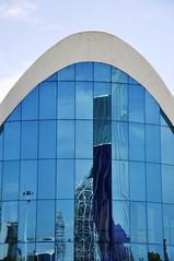 specchi sulla Ciutat de les Arts i les Ciències (Martina Santucci) Tags: españa valencia architecture spain arquitectura architettura trencadis oceanogràfic ciutatdelesartsilesciències ágora pontestrallato cittàdelleartiedellescienze parcooceanograficodivalencia pontdelassutdelor