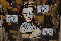 BToy + Universo Pelele_2800 carrer de Mozart, Barcelona (meuh1246) Tags: barcelona streetart gràcia barcelone btoy carrerdemozart universopelele