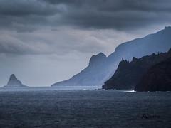 Punta Hidalgo (albertoqft) Tags: costa mar paisaje nubes tenerife puntahidalgo horaazul