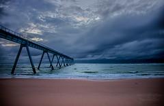 Storm incoming ((Virginie Le Carr)) Tags: ocean sky cloud storm landscape atlantic ciel wharf nuage paysage orage atlantique ocan lasalie