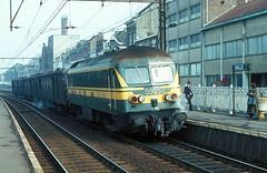 5905  Halle  26.02.80 (w. + h. brutzer) Tags: analog train nikon eisenbahn railway zug trains locomotive halle 59 belgien lokomotive diesellok eisenbahnen sncb dieselloks webru