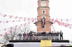 BURSA YENISEHIR ILCESI MEYDANINDAN (FOTO 3/3) (CHP FOTOGRAF) Tags: siyaset sol sosyal sosyaldemokrasi chp cumhuriyet kilicdaroglu kemal ankara politika turkey turkiye tbmm meclis bursa yenisehir otobus saat kulesi lale karabiyik erdogan toprak