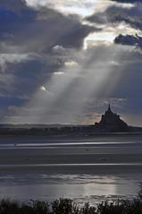 Le paradis c'est ici! (ceszij) Tags: baiedumontsaintmichel france normandie bretagne francia montsaintmichel mare mar mere sea marea baissemaree maree sunray rayosdesol riflessi reflejos