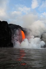 falling lava (BarryFackler) Tags: volcano lava lavaflow cliff sea coast nature water smoke flyingrock magma vulcanism hawaiivolcanoesnationalpark volcanology geology lavaoceantours nationalpark hawaii bigisland boat pali pacificocean 2017 marine rock lavarock ecology tropical ocean pacific island heat vapor clouds lavaone sky kamokuna puna hawaiiisland hawaiicounty sandwichislands hawaiianislands nationalparkservice energy scene firehose polynesia barryfackler barronfackler