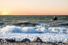 Sunset Westermarkelsdorf, Fehmarn Beach (EmoHoernRockZ) Tags: alphaemo deutschland emohoernrockz germany nychennecom sunset fehmarn westermarkelsdorf sonnenuntergang brandung surf surgs breakers surf'sup schleswigholstein de balticsea ostsee