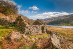 Abandoned... (Lee~Harris) Tags: landscape landscapes landscapephotography wales snowdonia rugged rural outdoors rocks light shadow sky cloud sunny love beauty beautiful scene scenery explore lake trees building architecture oldbuilding nikon nikond300 cymru viewpoint magnificent