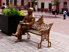 Plaza de Armas, Zacatecas (josebañuelos) Tags: zacatecas sculpture poet