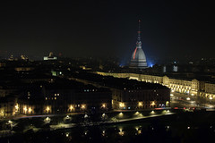 Piemonte - Torino: Luci d'Artista, la Mole Antonelliana e Piazza Vittorio (mariagraziaschiapparelli) Tags: piemonte torino lucidartista2016 notturno allegrisinasceosidiventa capodanno2017
