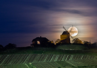 Full moon in Verzenay