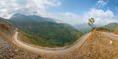 _J5K8553-72.0217.Hua Bum.Mường Tè.Lai Châu. (hoanglongphoto) Tags: asia asian vietnam northvietnam northwestvietnam landscape scenery vietnamlandscape vietnamscenery vietnamscene outdoor nature mountain mountainouslandscape sierra flank tree trees hill treehill pass hdr canon tâybắc laichâu mườngtè huabum phongcảnh phongcảnhtâybắc núi dãynúi sườnnúi cây đồi đồicây đèo đườngđèo thiênnhiên 1x2 imagesize1x2 tỉlệkíchthướcảnh1x2 zeissdistagont2815ze canoneos1dsmarkiii sky bluessky bầutrời bầutrờixanh clouds cloud mây đámmây