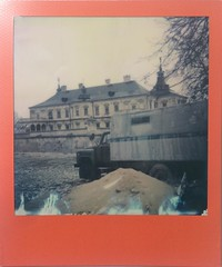 Soviet-style Carriage and Renaissance Palace (o_stap) Tags: architecture palace castle filmisnotdead believeinfilm ishootfilm impossibleproject film600 polaroid600 polaroid analog instant roidweek polaroidweek instagramapp square squareformat iphoneography
