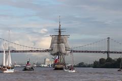 L'Hermione quitte le port de Bordeaux (Les photos de LN) Tags: port boat bordeaux bateau garonne voilier hermione fleuve pontdaquitaine frgate portdelalune