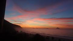 Amanhecer em São Conrado, Rio de Janeiro (Rubem Jr) Tags: ocean sunset pordosol brazil sun seascape sol praia beach water riodejaneiro sunrise landscape amanhecer brsil