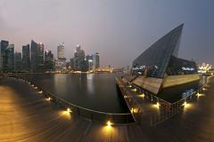 Le Grand Virage (Mabmy) Tags: city sunset panorama club canon singapore curves sigma cbd 12mm railings avalon mbs 1dx manualblending