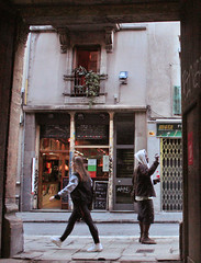 Racons de Barcelona (SergiC) Tags: barcelona city bcn streetphotography el elraval raval ciutatvella fotografiaurbana ciutatbarcelona barcelonafotografia ciutatvellafotografia elravalfotografia