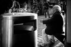 urban campfire (Yves Schlunegger) Tags: street blackandwhite bw man candid bern mann yves moment schwarzweiss aschenbecher schlunegger