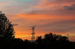 Naranja es amanecer (Elizabeth Padilla) Tags: madrid morning sky espaa orange skyline landscape spain paisaje amanecer naranja lavueltaalmundo