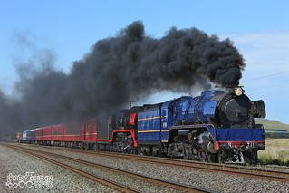 Smokin R711 & R707 at Beveridge with the Tastes of the Goulburn Festival Tour to Seymour..