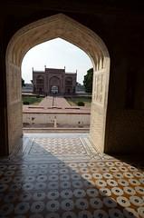 Baby Taj Mahal(c3vn)